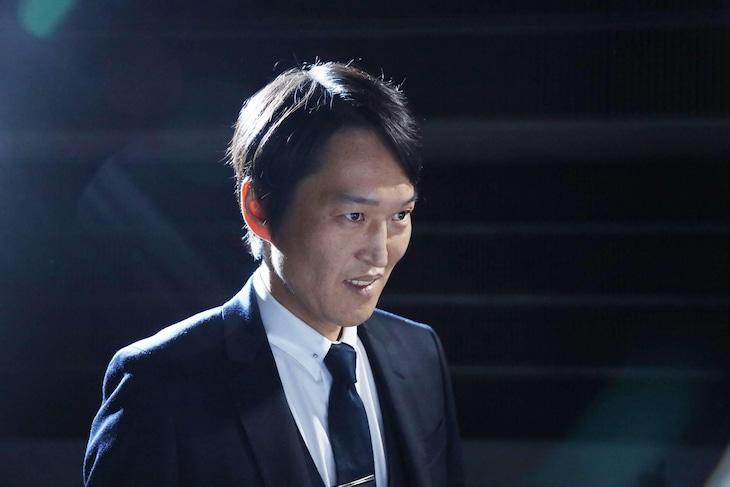 壇浩輝役の千原ジュニア。