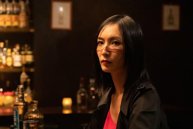 """「シリーズ怪獣区 ギャラス」より、長澤奈央演じる""""傷の女""""。"""