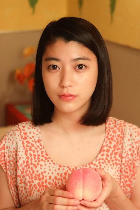 モモ役の成海璃子。