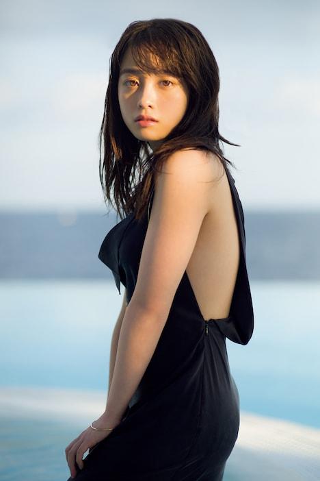 橋本環奈写真集「NATUREL」中面