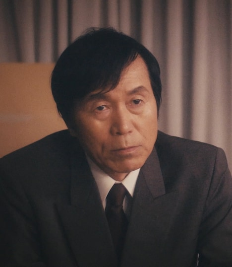 「日本ボロ宿紀行」より、平田満演じる篠宮一平。