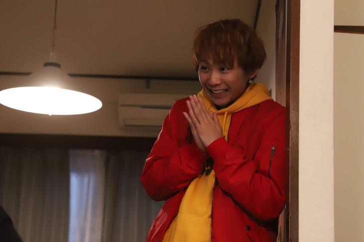 「JOKER×FACE」より、須賀健太演じる川村。