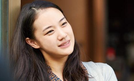 「長いお別れ」より、蒼井優演じる東芙美。