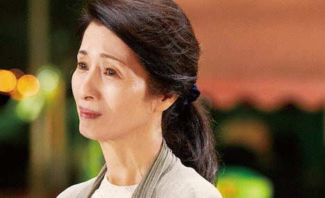 「長いお別れ」より、松原智恵子演じる東曜子。