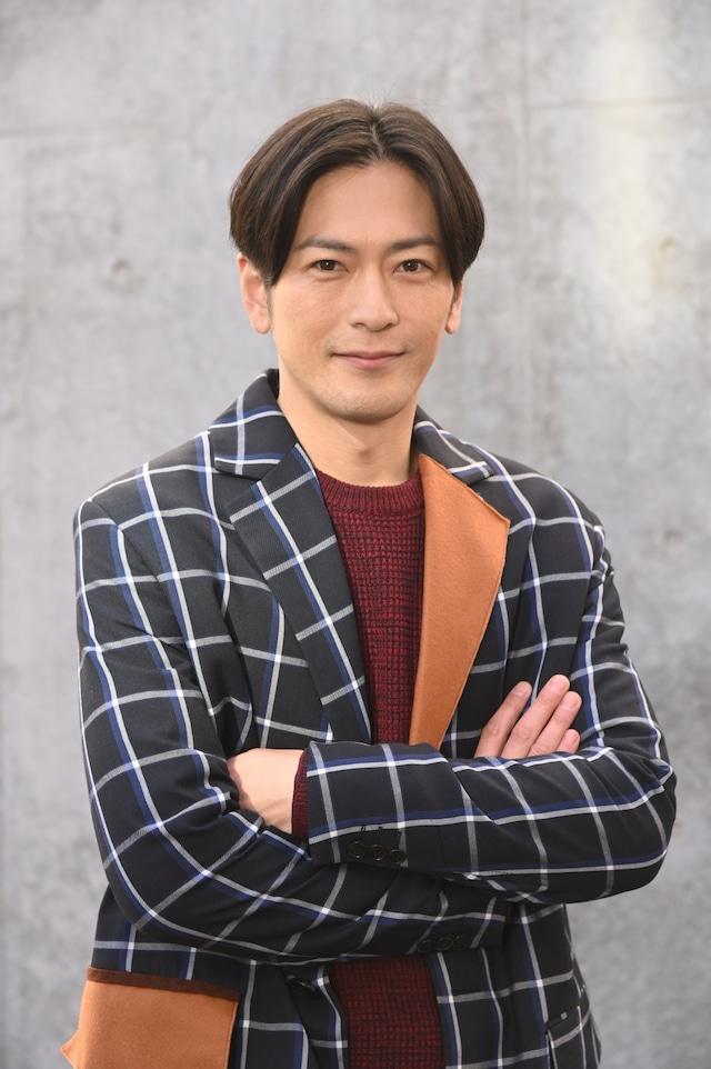 城戸真司役の須賀貴匡。