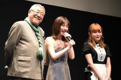 左から中尾彬、島崎遥香、益若つばさ。