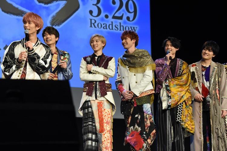 SixTONES。左から田中樹、高地優吾、京本大我、ジェシー、松村北斗、森本慎太郎。