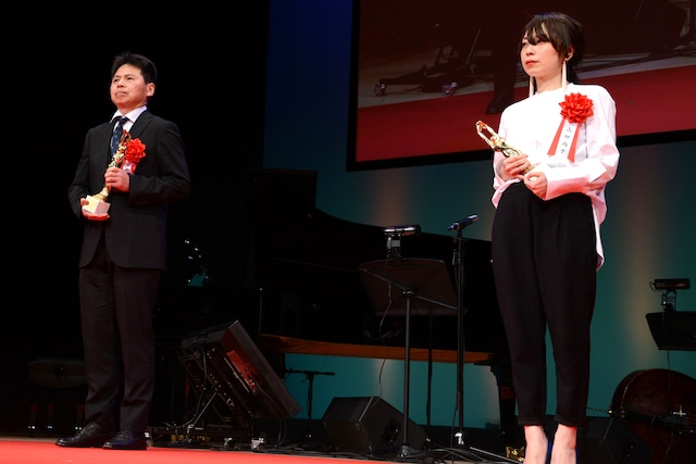 左から高坂希太郎、山田尚子。