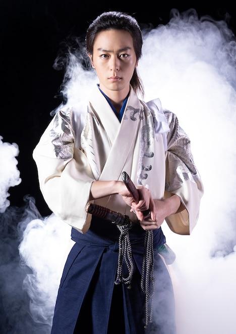 映画「GOZEN-純恋の剣-」に主演する犬飼貴丈。