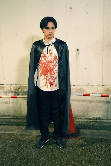 中島健人演じる和賀英良。
