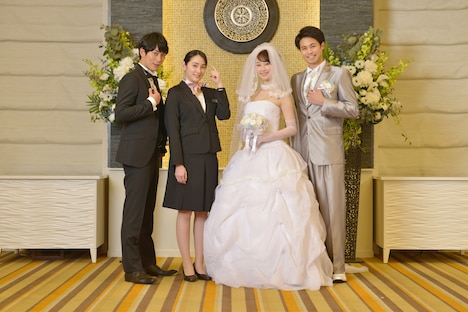「女の機嫌の直し方」キャスト。左から平岡祐太、早見あかり、松井玲奈、佐伯大地。