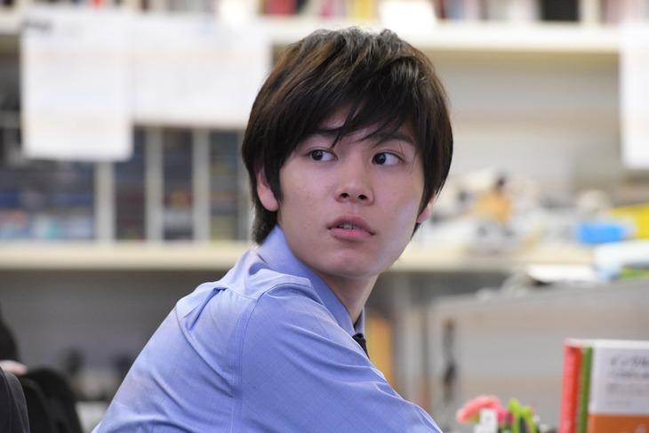 萩原利久演じる、タカコの同僚。