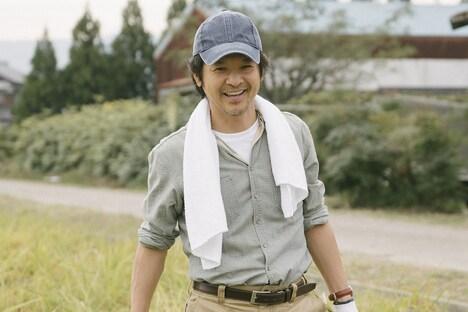 「もみの家」より、緒形直人演じる佐藤泰利。