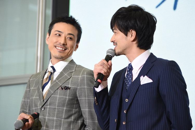 左から吉田宗洋、竹財輝之助。