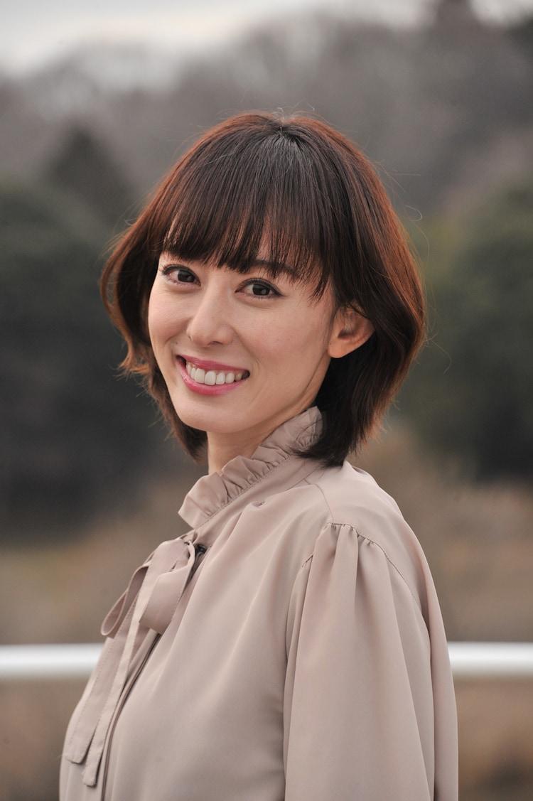 秋山莉奈演じる風谷真魚。