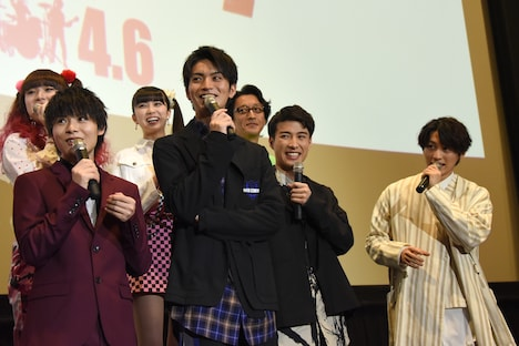 「JK☆ROCK」初日舞台挨拶の様子。