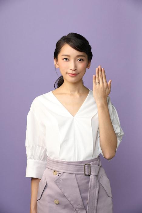 杏演じる濱鐘子。