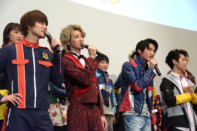 前列左から結木滉星、伊藤あさひ、岐洲匠、國島直希。