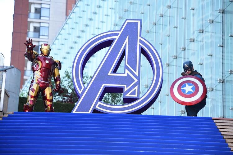 左からアイアンマン、キャプテン・アメリカ。