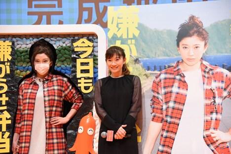 左からざわちん、篠原涼子。