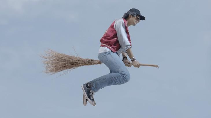 「魔法少年☆ワイルドバージン」より、斎藤工演じる高橋。
