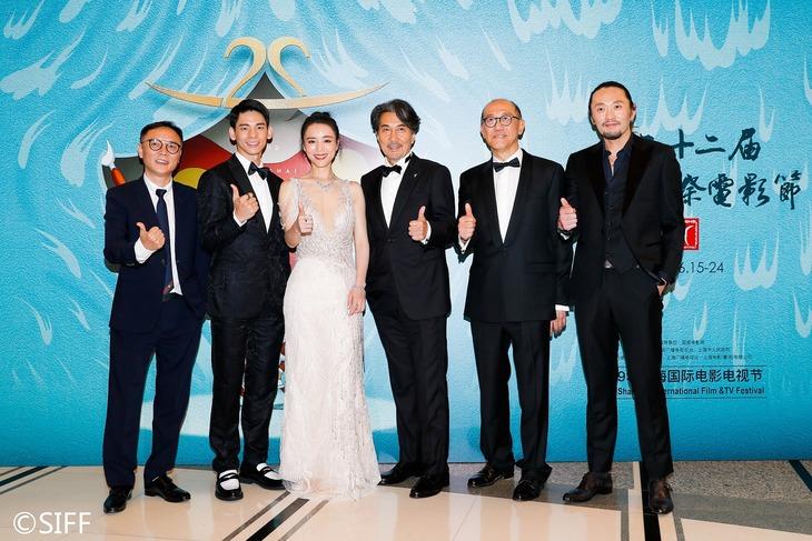 第22回上海国際映画祭に出席した「オーバー・エベレスト 陰謀の氷壁」のスタッフ、キャスト。