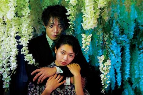 「人間失格 太宰治と3人の女たち」蜷川実花の撮り下ろし写真。