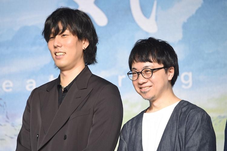 左から野田洋次郎、新海誠。