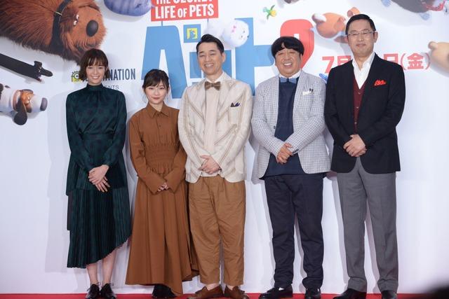 トークショーにて、左から佐藤栞里、伊藤沙莉、バナナマン、内藤剛志。