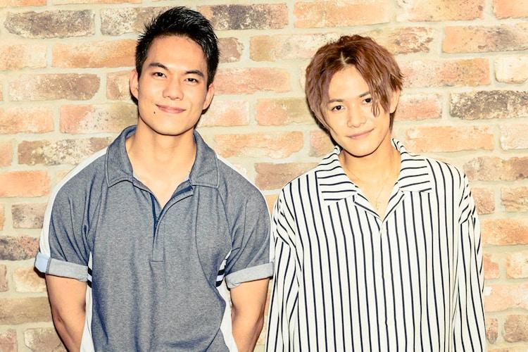 左から菅原健、岩谷翔吾。