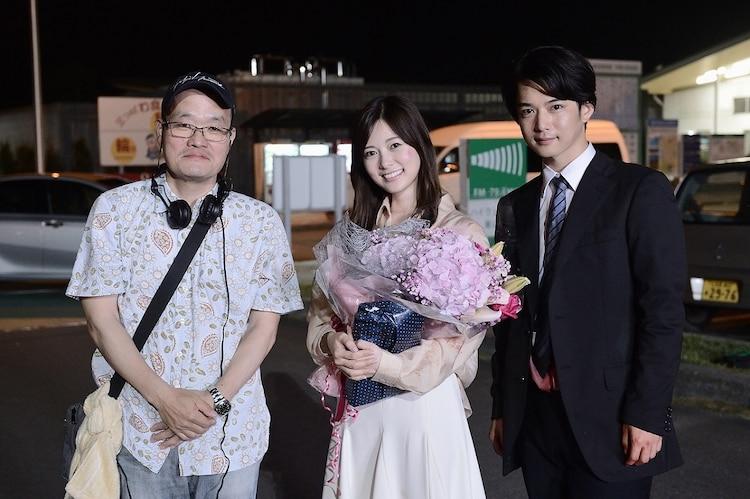 左から中田秀夫、白石麻衣、千葉雄大。