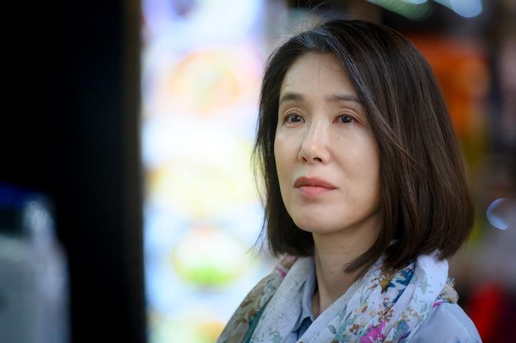 「名もなき復讐者 ZEGEN」より、筒井真理子演じる雨宮初枝。