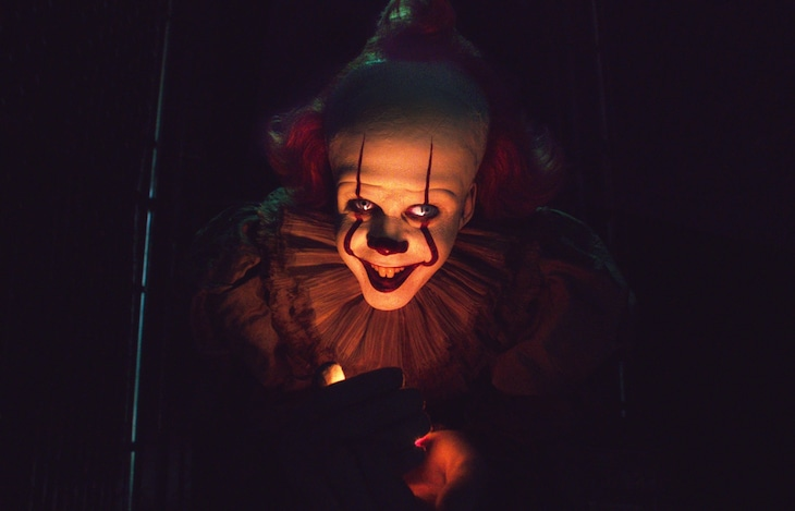 """「IT/イット THE END """"それ""""が見えたら、終わり。」 (c)2019 WARNER BROS. ENTERTAINMENT INC. AND RATPAC-DUNE ENTERTAINMENT LLC. ALL RIGHTS RESERVED."""