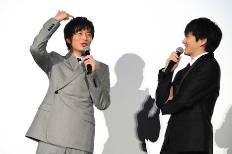 劇中に登場したきんぴらごぼうについて語る田中圭(左)と林遣都(右)。