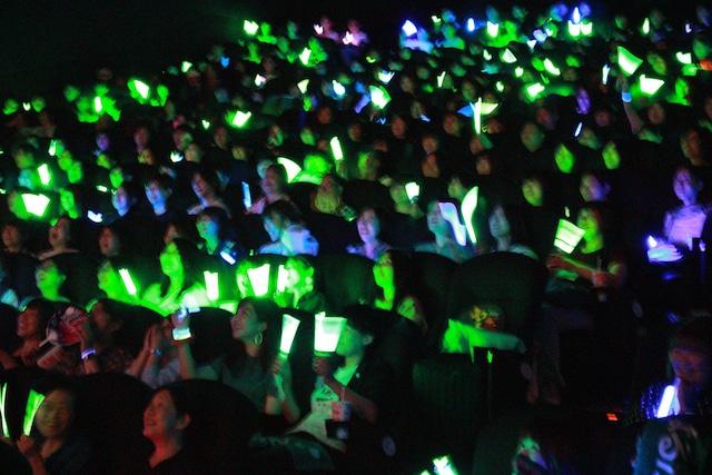 春田カラーである緑のペンライトの光に包まれた会場。