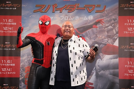 左からスパイダーマン、ジェイコブ・バタロン。