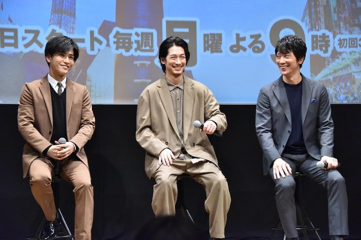 左から岩田剛典、ディーン・フジオカ、佐々木蔵之介。