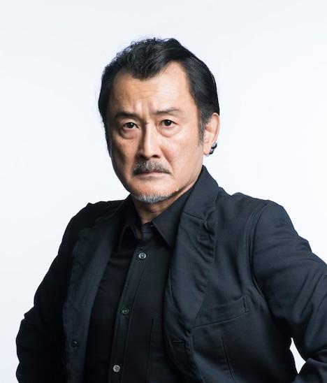 吉田鋼太郎