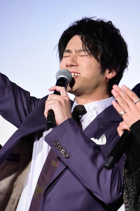 「鬼邪高の絶対的リーダー!」と自己紹介する山田裕貴。