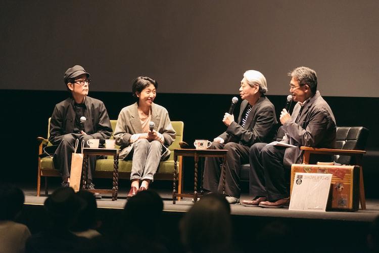 左からリリー・フランキー、安藤サクラ、細野晴臣、MCの青木眞弥。(Photo by Miki Azuma)