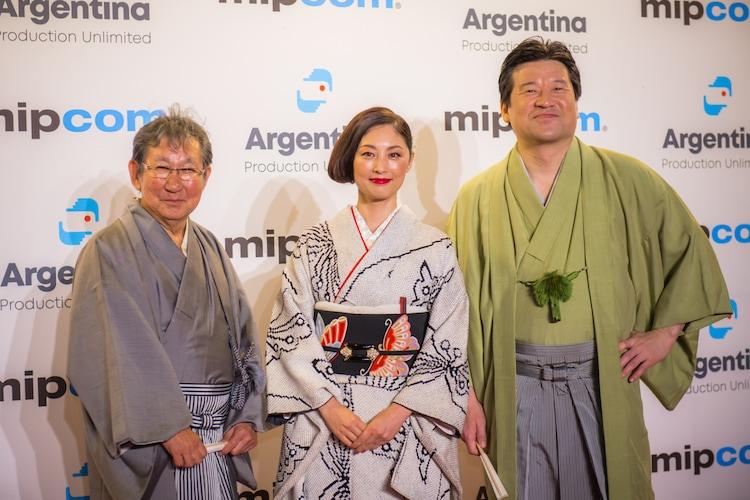 左から杉田成道、常盤貴子、佐藤二朗。