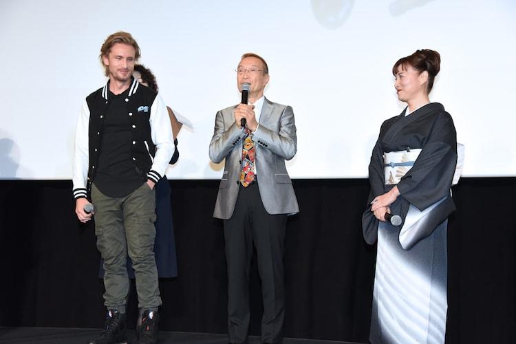 左からフィリップ・ラショー、神谷明、伊倉一恵。
