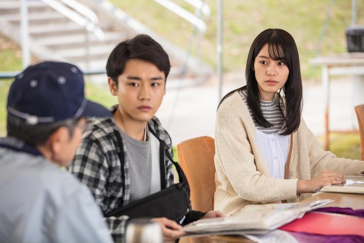 10月17日に長野・岡谷市湖畔のマレットゴルフ場で行われた「ピンぼけの家族」ロケ撮影の様子。