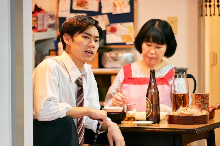「ブラック校則」より、戸塚純貴演じる月岡文弥(手前)。
