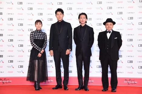 左から松岡茉優、鈴木亮平、佐藤健、白石和彌。