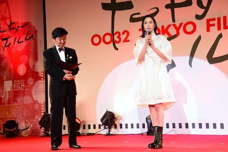 左から笠井信輔、広瀬アリス。