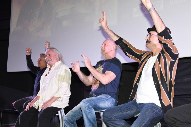 左からティム・バーンズ、ヒュー・キース・バーン、シェル・ニルソン、ポール・ジョンストーン。