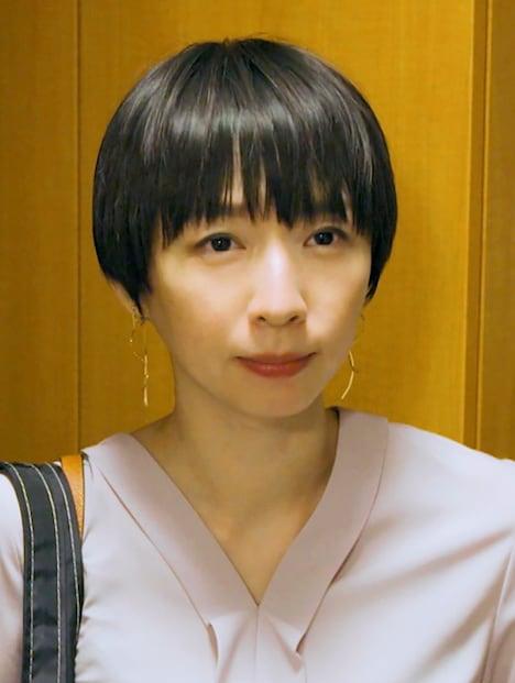「絶メシロード」より、酒井若菜演じる須田佳苗。