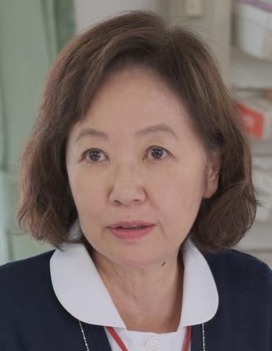 兵藤悦子役の浅田美代子。