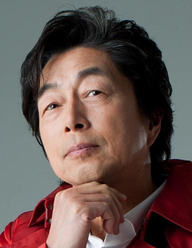米田正光役の中村雅俊。